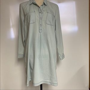 Old Navy Denim Dress in a light wash. Large Petite